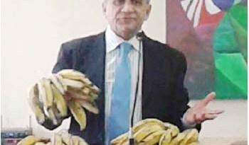 Vereador-Peninha-levou-bananas-para-o-plenário-da-Câmara