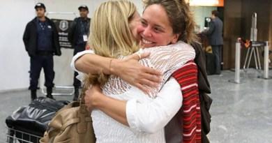 Manuela Lavinas Picq chegou ao Brasil na madrugada deste sábado