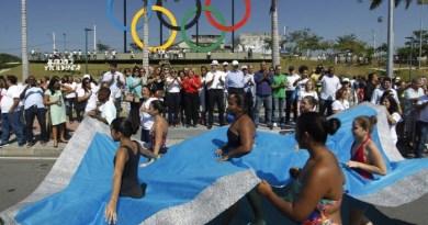 Alunos da rede municipal participam de desfile olímpico no Parque de Madureira - Gabriel de Paiva / Agência O Globo