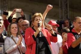 Dilma dia do trabalho anahnagabaú © Fornecido por Abril Comunicações S.A.