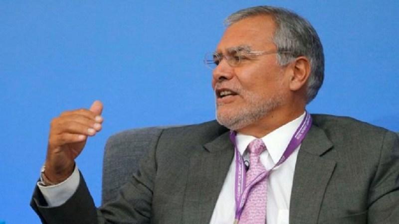 """José Ugaz, presidente da Transparência Internacional, durante evento em Londres em maio Image copyright Reuters Image caption Presidente ONG, José Ugaz fala em """"níveis patéticos"""" de transparência"""