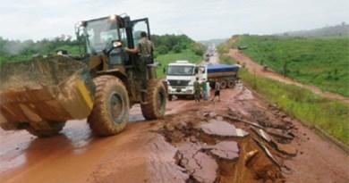 Rodovia-apresenta-sérios-problemas-de-trafegabilidade-nesse-trecho