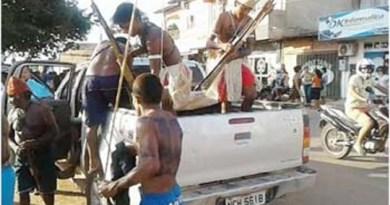 Indígenas-da-etnia-Munduruku-prontos-para-guerra