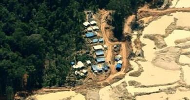 Atividade garimpeira na região das áreas citadas pelo MPF na ação (foto: ICMBio)