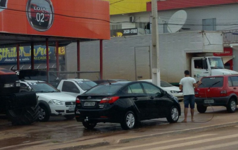 Lavagem de Veículos irregular.