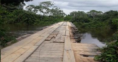 Ponte onde o caminhão caiu. (Foto WhatsApp-Jornal Folha do Progresso)