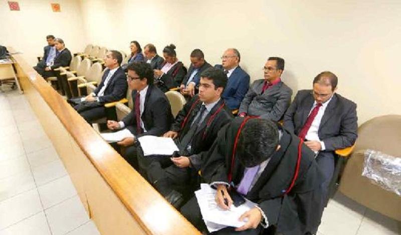 Advogados acompanham julgamentos da Seção de Direito Penal.