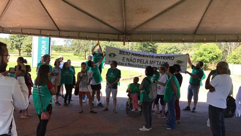 Ato no Parque Nacional de Brasília pediu 'fim do desmonte de órgãos ambientais federais' — Foto: Arquivo pessoal