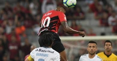 Vitória-deixa-o-Athletico-PR-com-a-mesma-pontuação-do-Grêmio-