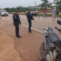 Acidente entre moto e um toyota corolla deixa ferido em Novo Progresso