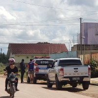 Ladrões invadem casa, fazem família refém e roubam caminhonete e cofre em Novo Progresso
