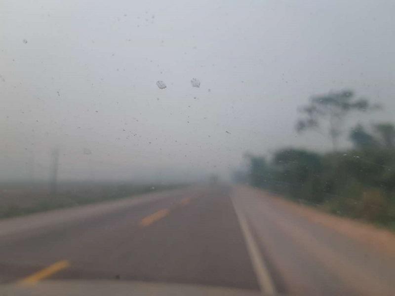 Perimétrico urbano da rodovia Br 163 em Novo Progresso coberta por fumaça (foto:Jornal Folha do Progresso)
