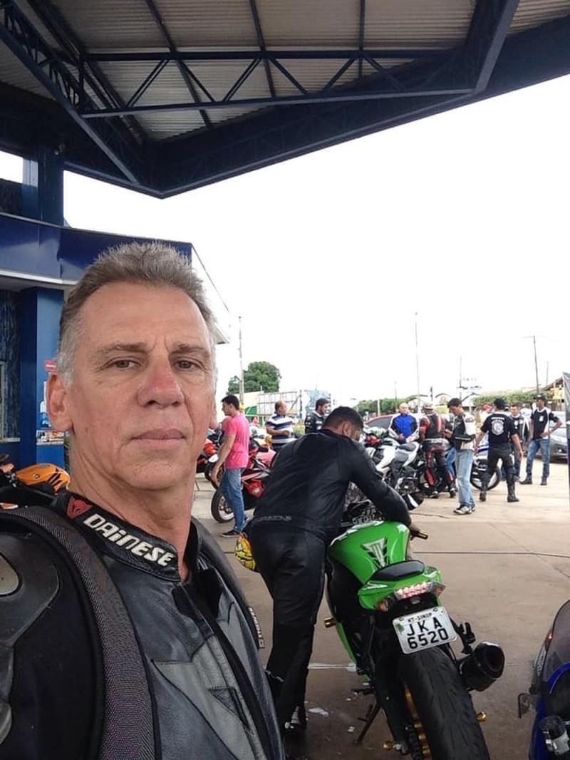Reginaldo Ghirardi Bertaglia, de 59 anos, que pilotava a moto, não resistiu aos ferimentos e morreu no local — Foto: Arquivo pessoal