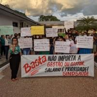 Profissionais da saúde protestam contra salário atrasado em plena pandemia