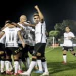 Corinthians vence com dois gols de Luan e mantém esperança viva na Copa Sul-Americana
