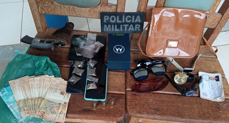 Objetos apreendidos foram entregues para policia (Foto:Divulgação PM)
