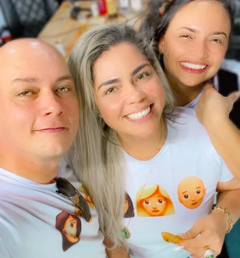 Relacionamento dos sargentos da Polícia Militar Alda Nery, Erisson Nery e a administradora Darlene Oliveira, começou há quase um ano — Foto: Arquivo pessoal
