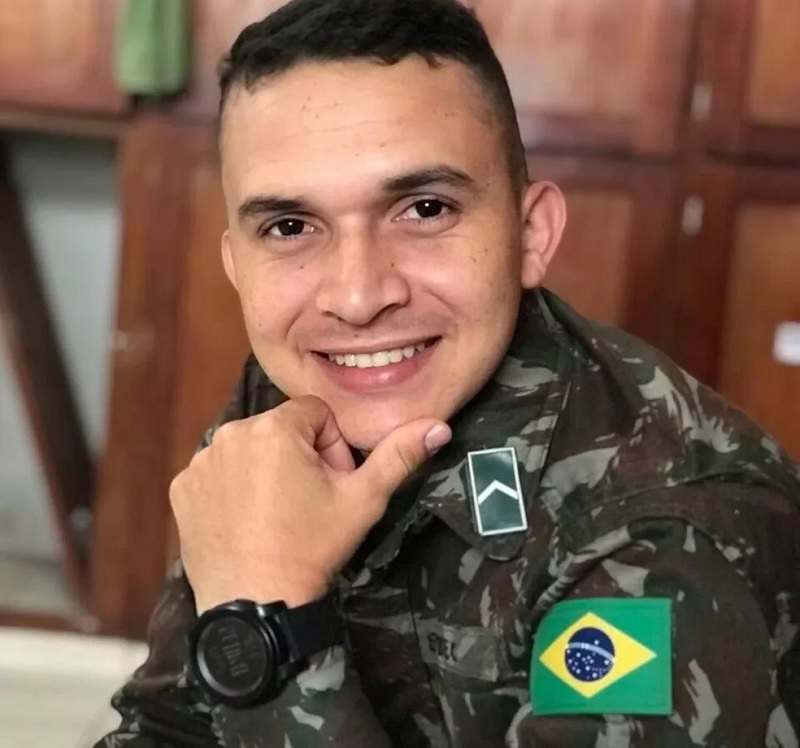 Elias Assunção tinha 25 anos e morreu vítima de acidente na Serra do Piquiatuba — Foto: Reprodução/Redes sociais