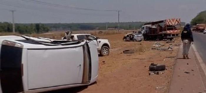 Mulher morre em acidente que envolveu 6 veículos na BR 163, em Sinop(Foto:Reprodução)