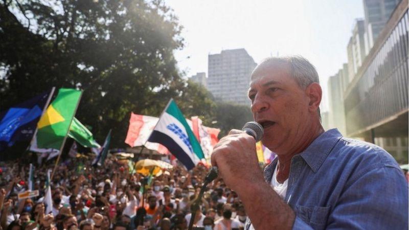 Antigo crítico do MBL, Ciro Gomes discursou no ato deste domingo da Avenida Paulista (Foto:Crédito, Reuters)