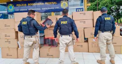 PRF apreende carga com produtos eletrônicos sem nota fiscal em Santa Maria do Pará