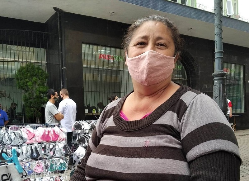 Carne no prato de Maria Alves, vendedora de Florianópolis, é exceção — Foto: Caroline Borges/G1