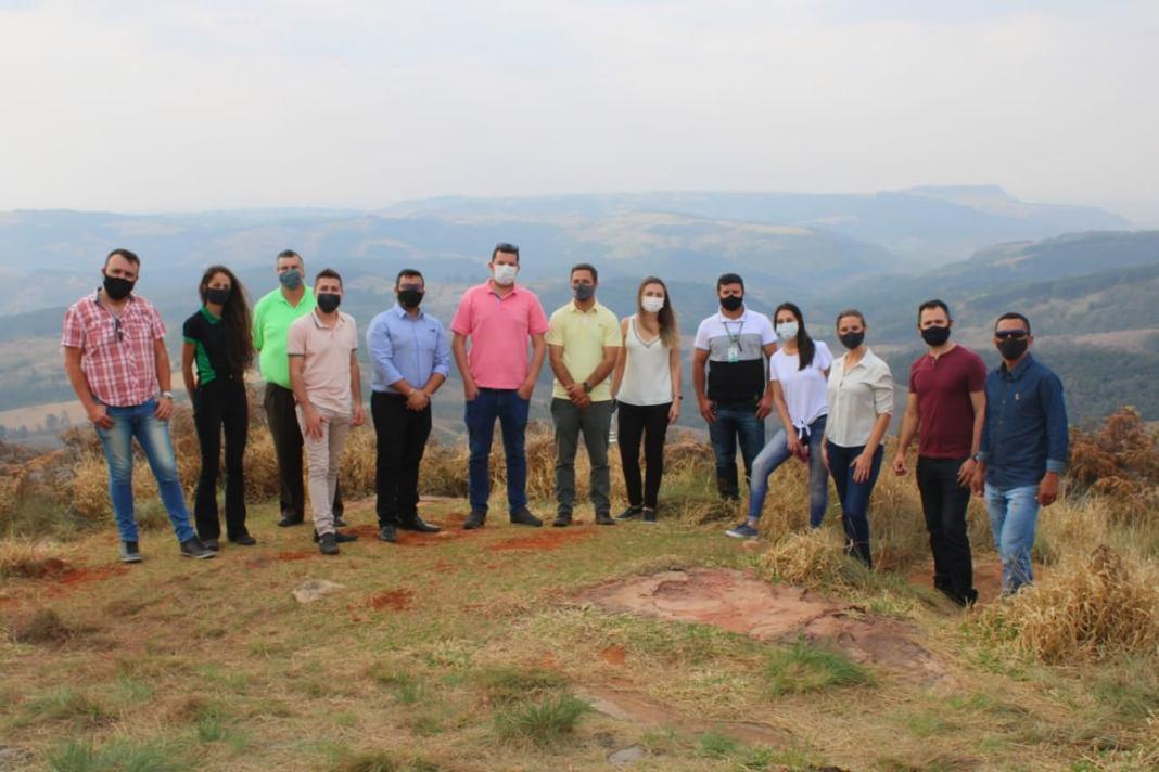 Representantes de Arapoti participam de encontro em Ortigueira com objetivo de fomentar o turismo local