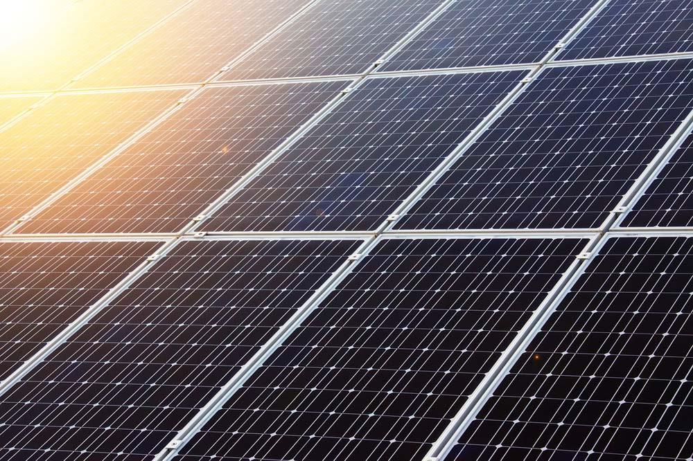 Ilhas solares flutuantes podem mitigar emissões globais de CO2