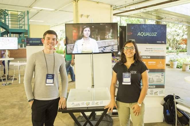 Participante de programa do Instituto TIM vence prêmio global da ONU - Estudantes Lucas Ayres e Anna Luisa (BA) - Aqualuz. Foto: Divulgação