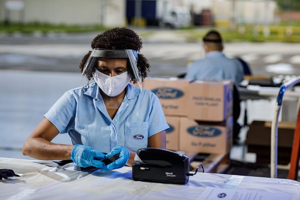 Ford entrega 8.000 máscaras para os municípios de Simões Filho, Candeias e Lauro de Freitas