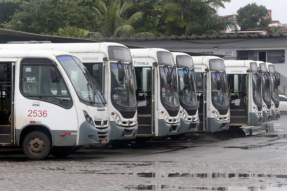 Transporte é suspenso em mais cinco cidades baianas; total chega a 356