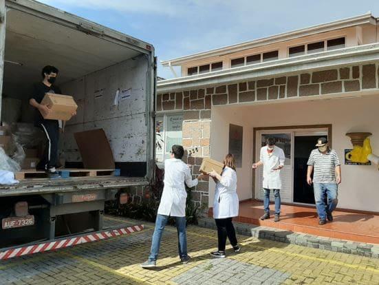 Grupo Boticário doa 232 mil unidades de álcool em gel para comunidades de Bahia, Ceará e Rio Grande do Norte