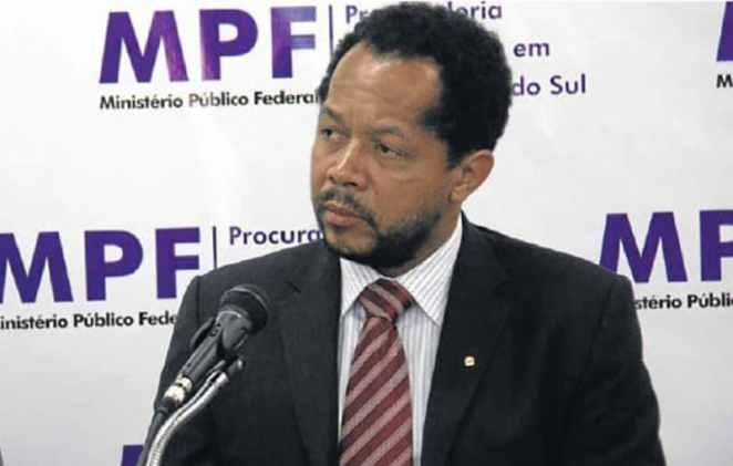 """Na avaliação do procurador do Ministério Público Federal, Marco Antônio Delfino, """"a única justificativa é a discriminatória, racista. Não há outra explicação"""" para a falha no atendimento da população na Reserva de Dourados (Foto: MPF)"""