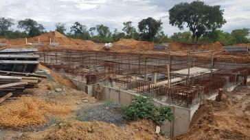 Construção de reservatório de emergência - estação elevatória em Luís Eduardo Magalhães (Foto: Embasa/Divulgação)