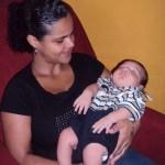 Bebê com mais de 5 quilos vira xodó no HFA