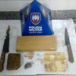 PM apreende três suspeitos e drogas em cemitério de Guarapari