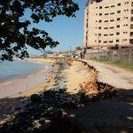 Destruição na orla da Praia do Riacho em Guarapari