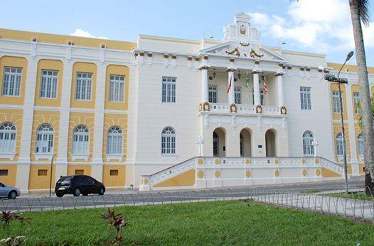 Justiça condena ex-prefeito do Sertão por improbidade