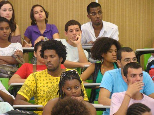 Após cotas, universidades federais ficam 'mais populares e negras', diz estudo