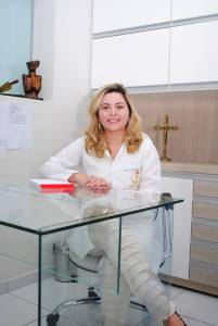 Doutora Viviane Guedes