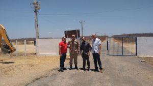 Madiel recebe autoridades no aeródromo de Patos