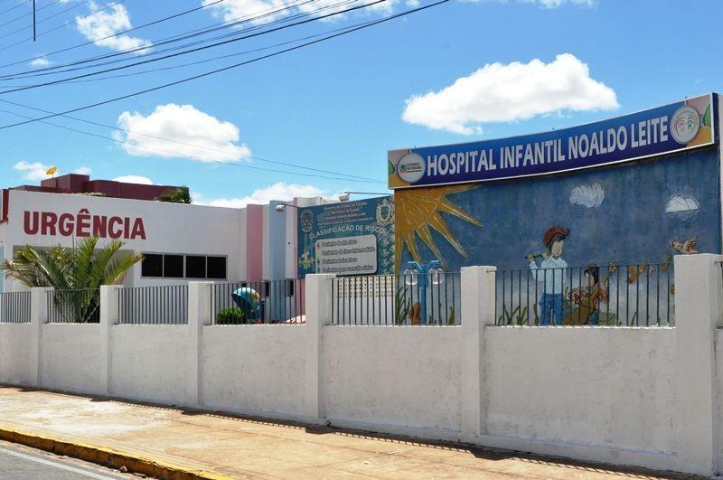 É gravíssimo o estado de saúde de criança que caiu de carroceria de veículo no Bairro Jatobá, em Patos