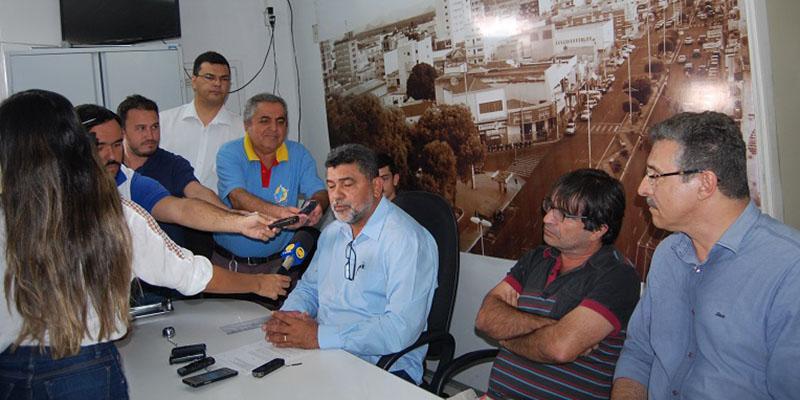 Novo impasse entre Lenildo Morais e Dinaldinho por conta dos recursos do Fundef