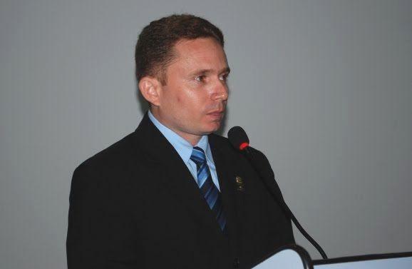 Sales Júnior é eleito presidente da Câmara Municipal de Patos