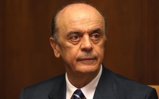 José Serra pede demissão do Ministério de Relações Exteriores