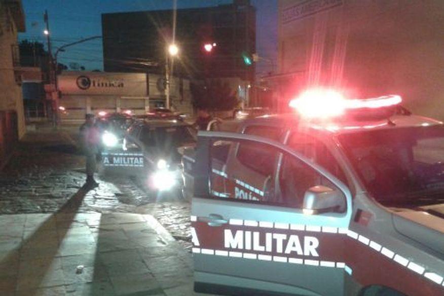 Assaltantes invadem sede do Sousa Esporte Clube e assaltam jogadores
