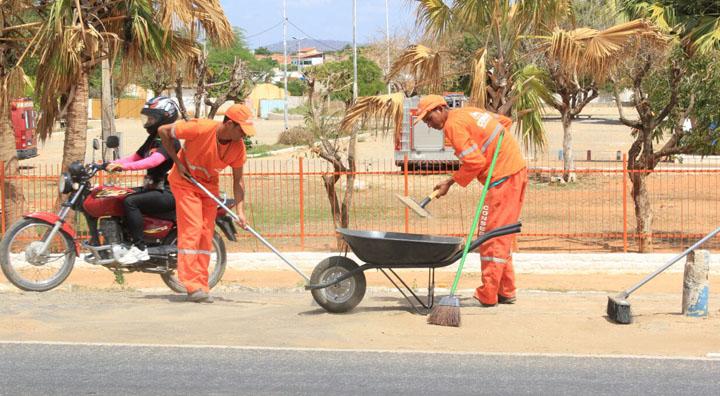 Assessoria da Prefeitura diz que contrato de lixo reflete o momento atual
