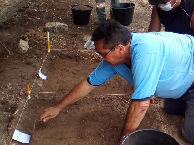 Arqueólogos escavam cemitério indígena em Pocinhos, no Agreste paraibano