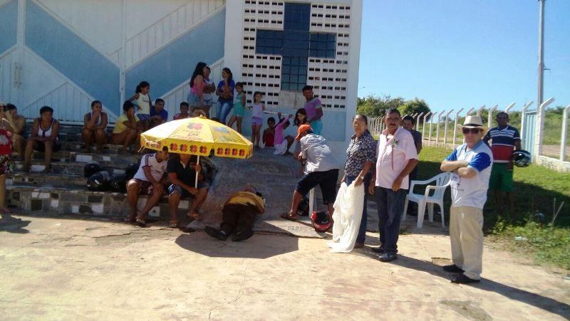 Homem morre de infarto na porta da igreja e demora na remoção do corpo revolta moradores da Vila Mariana em Patos