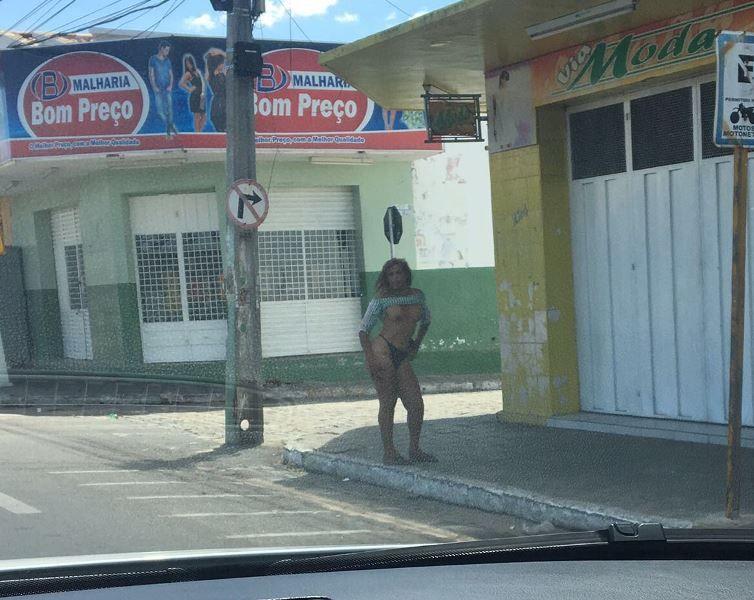 Travesti fica seminu e causa indignação no centro da cidade de Patos